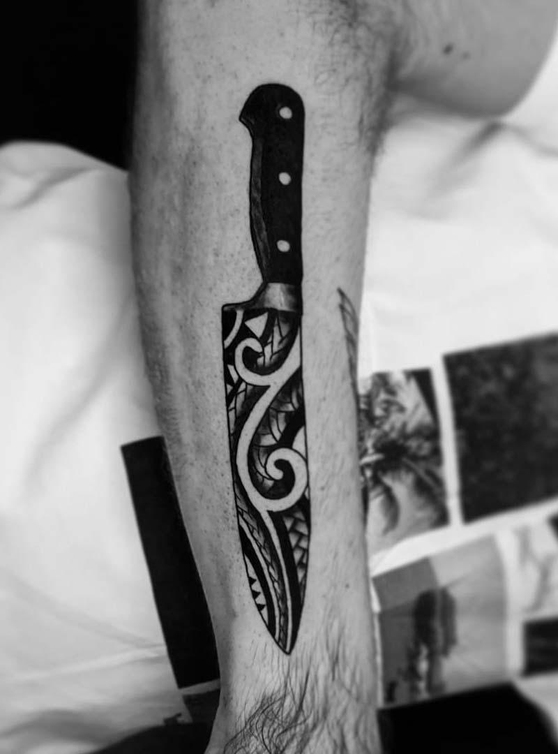 chefs knife tattoo original desine קעקוע סכין שף גאומטרי סגנון מאורי