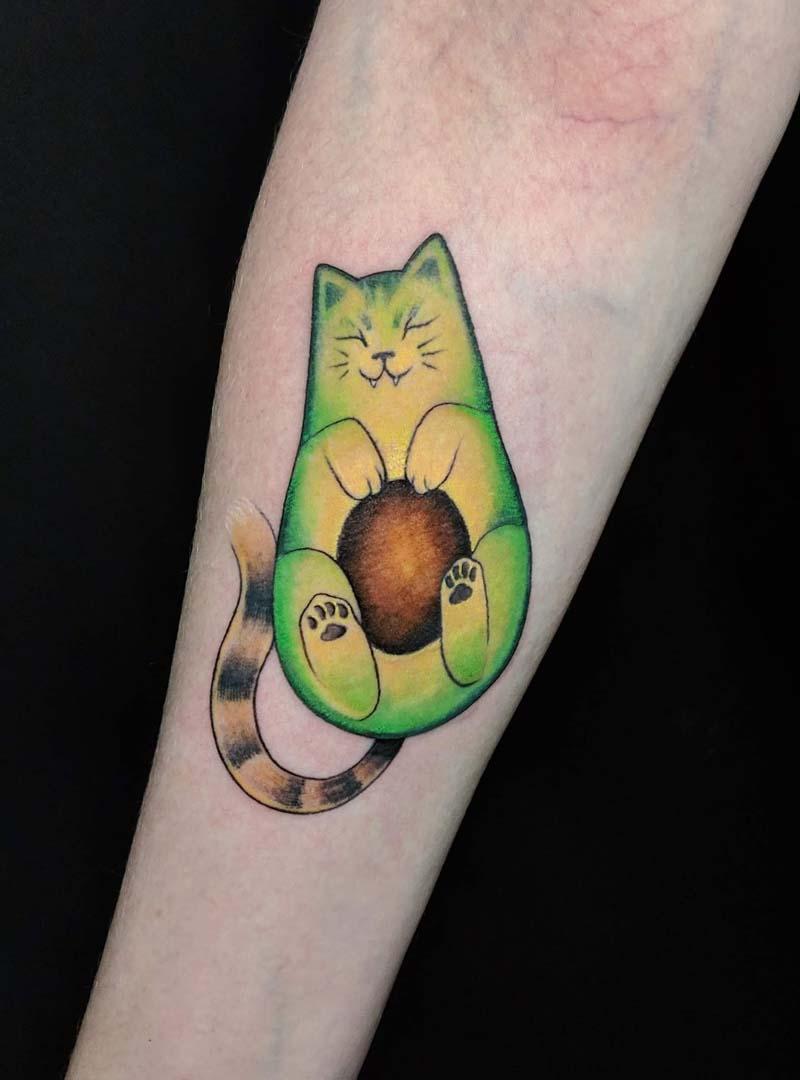 avocato cat avocado color tattoo קעקוע אבוקדו חתול צבעוני