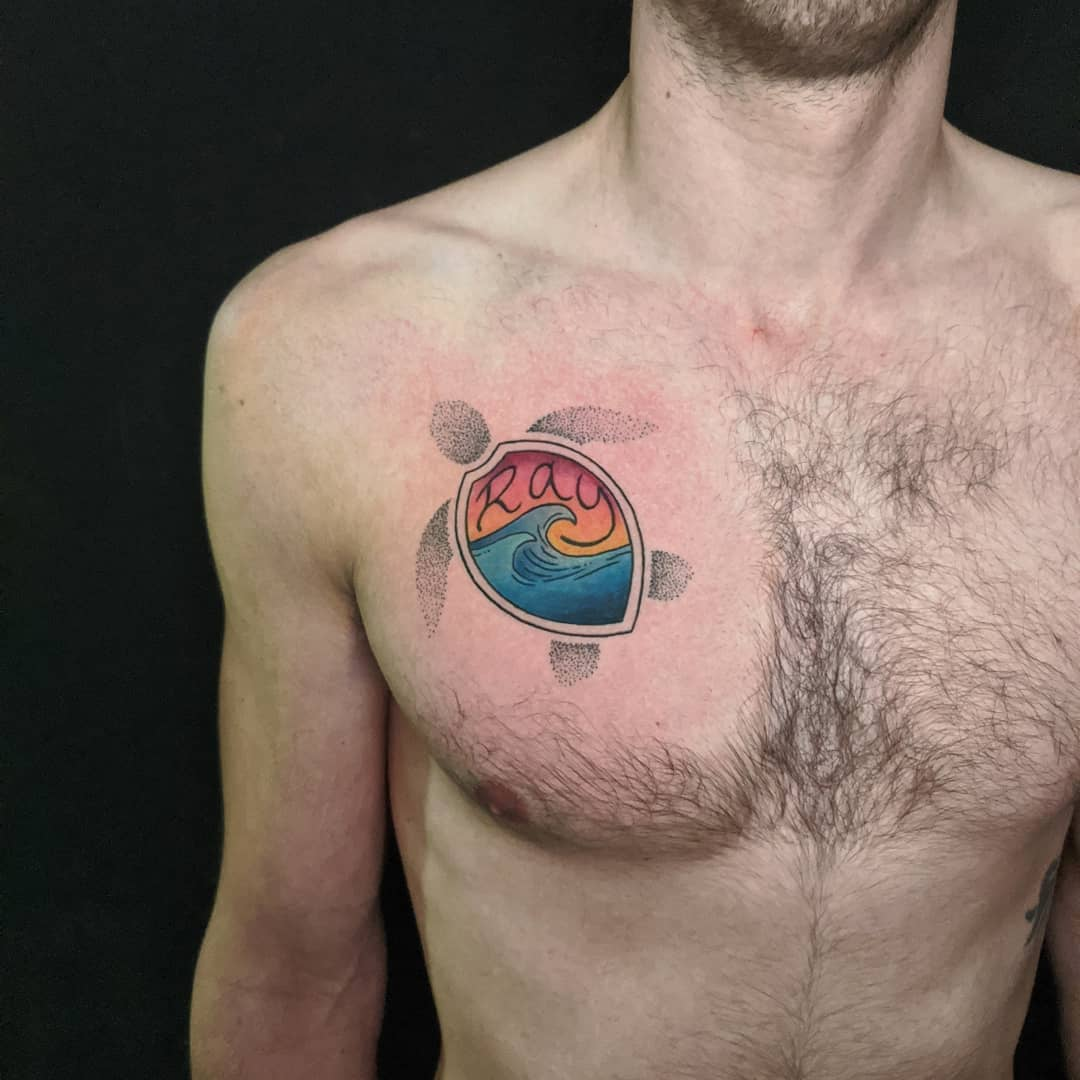 color turtle tattoo with dot work קעקוע צב בעיצוב אישי צבעוני דוט וורק גלים שמש wave sun