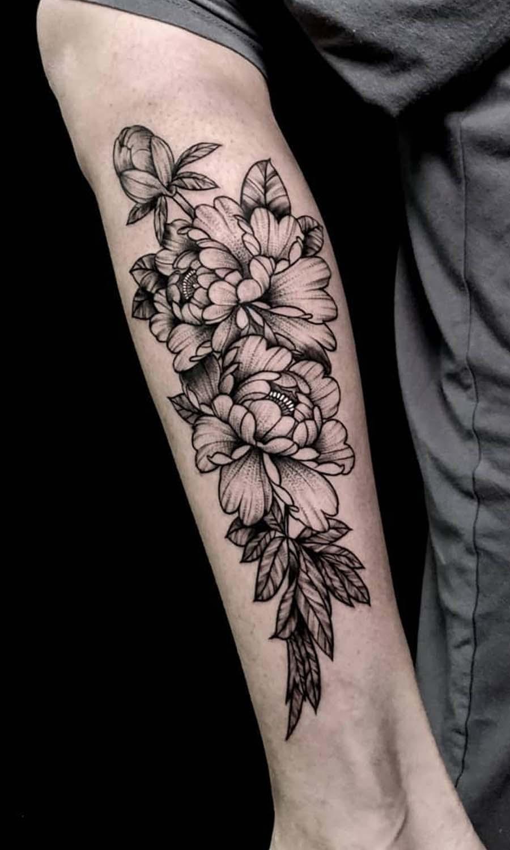 peonies flowers black and gray tattoo  קעקוע פרחי פיוני רגל שחור אפור