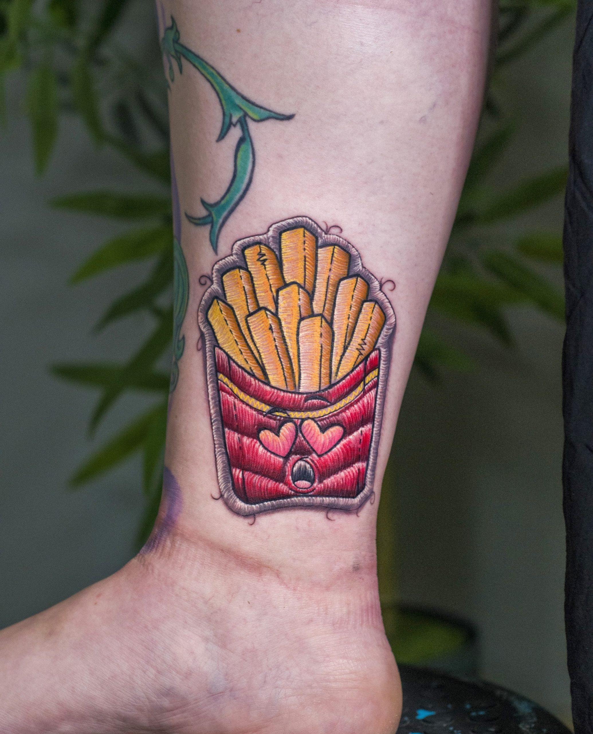 FRENCH FRIES EMBROIDERY PATCH tattoo color קעקוע צ'יפס בסגנון פאצ' ריקמה טבעוני עיצוב מקורי